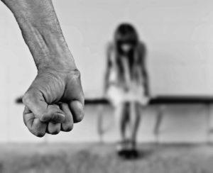 עבירות אונס המלווה באלימות ואכזריות